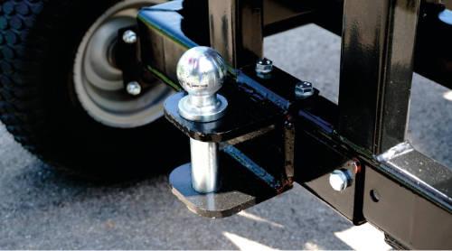 Detalle de la bola de remolque de las astilladoras RS-100 y 120 off-road